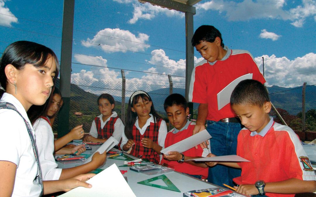Alianza para apoyar la educación a distancia por COVID-19