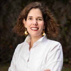 Andrea Escobar Vilá Directora Ejecutiva Fundación ExE